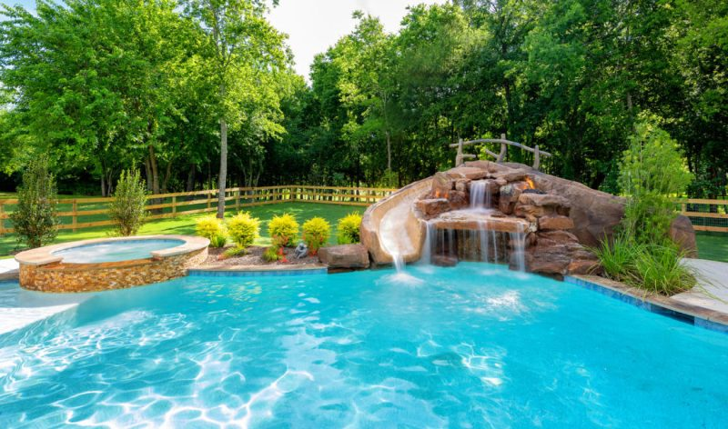 4 Questions You Should Ask Yourself Before Building a Swimming Pool