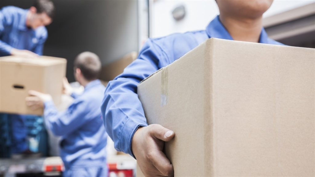 How Much Does it Typically Cost to Hire Movers?