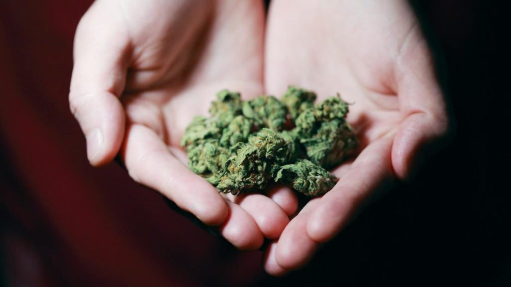 How to Enjoy Weed Without Making a Stink